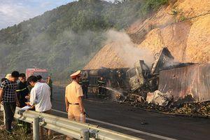 Tai nạn giao thông trên đèo Mang Yang: Xe container cháy rụi, 3 người thiệt mạng