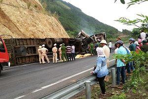 Hai xe contener bốc cháy dữ dội, 3 người tử vong