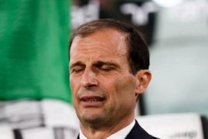 Juventus suýt thua, Allegri run rẩy trên băng ghế chỉ đạo