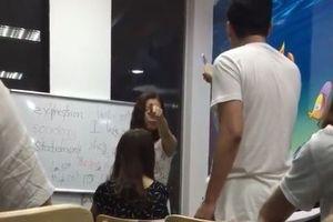 Giáo viên tại trung tâm tiếng Anh chửi học viên 'óc lợn'