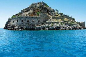 Bí mật rùng rợn ở 'hòn đảo hủi' nổi tiếng Hy Lạp