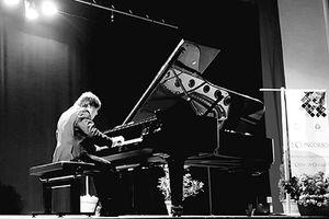 Pianist Lưu Hồng Quang lại lập thành tích tại Italia