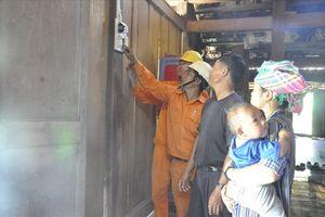 Ngành điện Đắk Lắk mang ánh sáng tới buôn nghèo