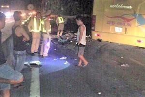 Hà Tĩnh: Xe khách và container tông nhau, 2 người chết