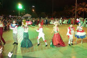 Hơn 100.000 người dự lễ hội Tháp Bà Ponagar