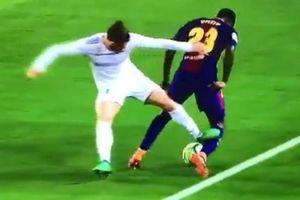 Gareth Bale may mắn thoát thẻ đỏ sau pha đạp bóng nguy hiểm