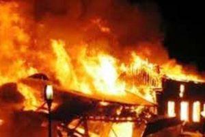 Trộm đồ bất thành, châm lửa đốt nhà gia chủ