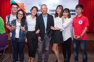GS Trương Nguyện Thành về Mỹ: Tránh 'trên trải thảm, dưới rải đinh'