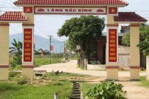 Hà Tĩnh: Cấp tốc làm đường qua cổng làng trên mương nước