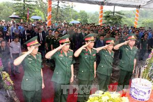 Truy điệu và an táng 12 hài cốt chuyên gia, quân tình nguyện hi sinh tại Lào