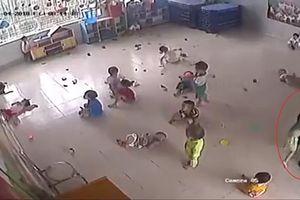Chấm dứt hợp đồng bảo mẫu đánh trẻ trong lớp tại Tây Ninh