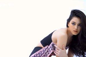 Nhan sắc sao nữ đóng chung với Sơn Tùng trong MV khi làm người mẫu