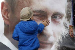 Hình ảnh Tổng thống Putin là biểu tượng trong cuộc sống ở Nga