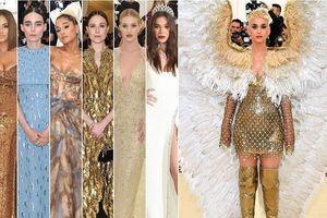 Rihanna hóa thân thành Giáo hoàng, Katy Perry mang cánh 'khủng' tại Met Gala