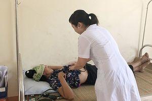 Sau khi ăn cỗ cưới, 132 người ở Sơn La nhập viện