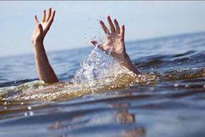 Trượt chân xuống hồ thủy lợi, 4 học sinh đuối nước thương tâm