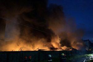 Cận cảnh hiện trường vụ cháy lớn tại khu công nghiệp Vĩnh Lộc TP.HCM