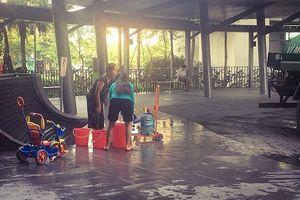 Mới chớm hè, cả khu đô thị ở Hà Nội đã 'khát' nước sạch