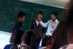Buộc thôi việc thầy giáo đấm vào mặt học sinh, triệt phá đường dây làm bằng giả