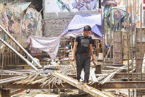 Hộ dân 'kêu cứu' vì sụt móng, vỡ nứt nhà do công trình thi công bên cạnh