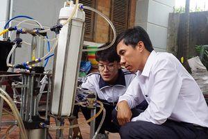 Nam sinh Nghệ An được cấp visa sang Mỹ dự kỳ thi khoa học kỹ thuật quốc tế 2018