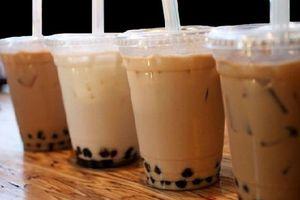Gần 30 học sinh tiểu học ngộ độc là do trà sữa nhiễm khuẩn