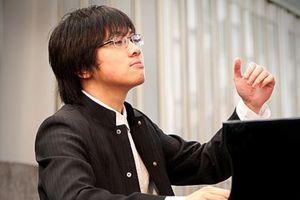 Nghệ sĩ Lưu Hồng Quang giành giải Nhì tại cuộc thi Piano quốc tế