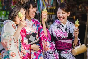 Thợ may kimono Nhật chật vật tìm đường hồi sinh nghề truyền thống