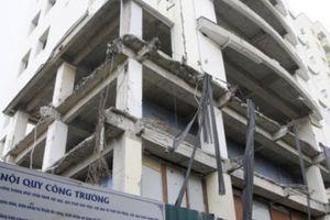 Hà Nội: Cận cảnh dự án xây dựng trái phép hoang phế trên 'đất vàng' Cầu Giấy