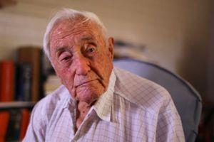 Vị tiến sĩ 104 tuổi nổi tiếng nước Úc trải lòng trước khi uống thuốc độc để chết