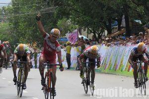 Dân Phú Quốc chen nhau xem đua xe đạp tranh Cúp 'Gạo hạt ngọc trời'