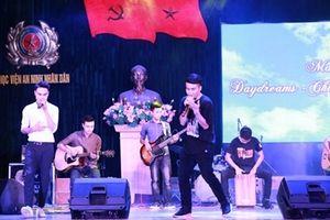Đêm nhạc Guitar Show sôi động tại Học viện An ninh nhân dân