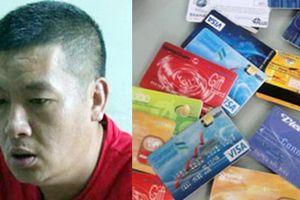 Khởi tố đối tượng người Trung Quốc dùng thẻ ATM 'tự chế' rút trộm tiền