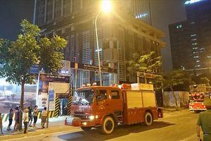 Cháy lớn tầng 25 của tòa nhà MB Grand Tower trên đường Lê Văn Lương