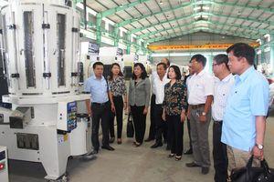 Phó Chủ tịch Bùi Thị Thanh làm việc tại tỉnh Long An