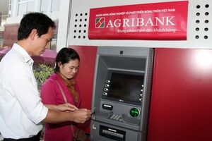 Ngân hàng Nhà nước chỉ đạo, Agribank dừng tăng phí ATM
