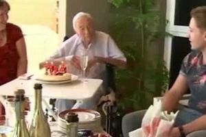 Chia sẻ trước giờ vĩnh biệt của tiến sĩ 104 tuổi