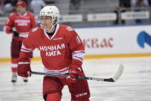 Tổng thống Putin tranh tài khúc côn cầu trên băng ở Sochi
