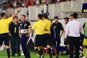 Hà Nội FC bỏ họp báo vì bức xúc trọng tài