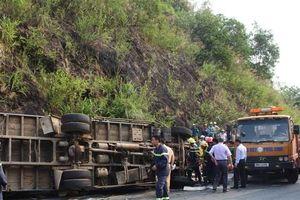 Clip: Hiện trường vụ tai nạn liên hoàn làm 4 người thương vong ở Hòa Bình