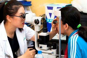 Hơn 3 triệu trẻ em Việt Nam mắc tật khúc xạ