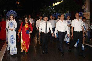 Hà Nội chính thức khai trương không gian đi bộ phố Trịnh Công Sơn