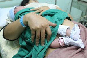 Phụ nữ ở cữ làm mẹ - Kỳ 2: Được mẹ đẻ chăm là thanh xuân đẹp nhất!