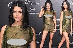 Em gái Kim Kardashian gây sốc khi mặc xuyên thấu 'quên' nội y