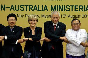 Úc nên học Việt Nam, gia nhập ASEAN?