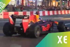 Siêu xe F1 drift trên đường phố Việt Nam