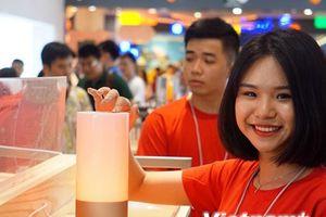 Cận cảnh cửa hàng ủy quyền đầu tiên của Xiaomi tại Hà Nội
