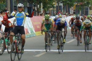 Chặng 4 tour xe đạp toàn quốc về nông thôn: Cuộc cạnh tranh áo xanh diễn ra quyết liệt