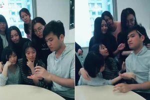 Clip: Trò ảo thuật đơn giản không ngờ giúp thanh niên 'lấy le' với bạn gái