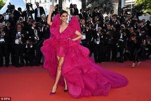 Minh tinh Ấn Độ Deepika Padukone đẹp 'lấn át' trên thảm đỏ Cannes